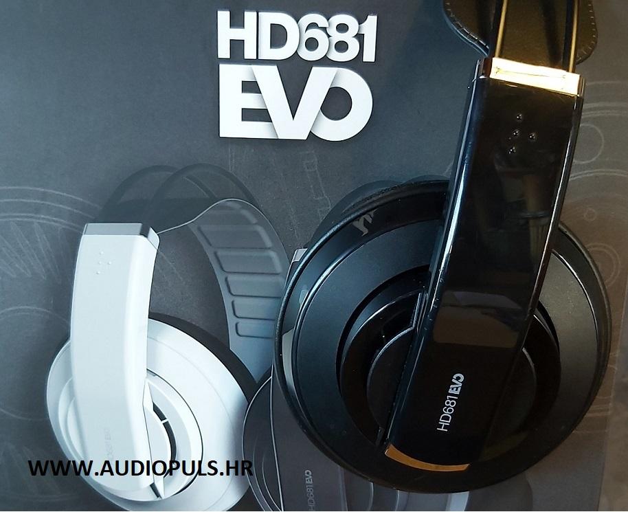Superlux HD681 EVO, headphone and the box