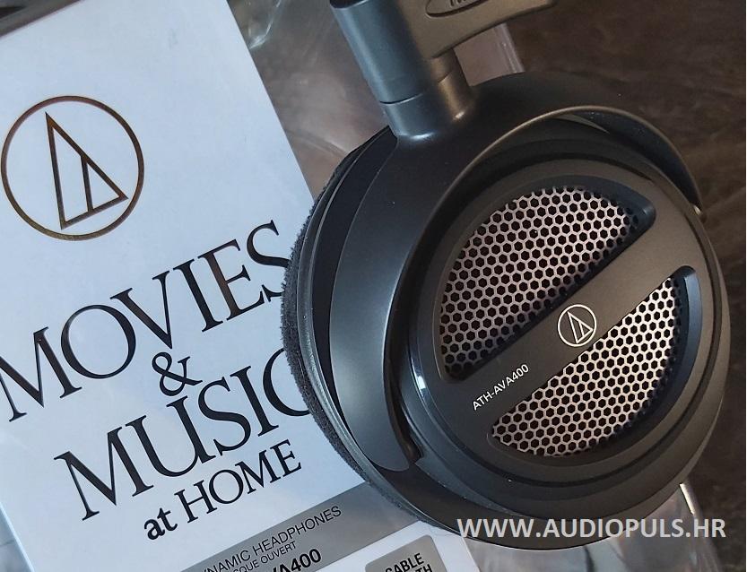 Audio Technica ATH-AVA400, headphone and the box